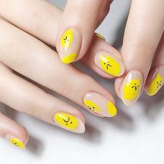圆形黄色手绘可爱美甲图片