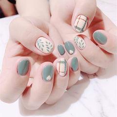 圆形绿色白色手绘树叶心形美甲图片