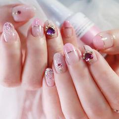 圆形粉色金银线平法式钻美甲图片