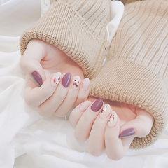圆形紫色裸色晕染美甲图片