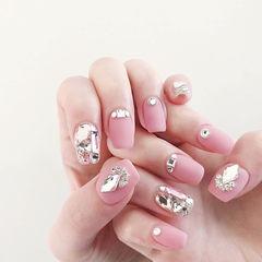 方圆形粉色钻磨砂美甲图片
