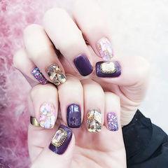 方圆形紫色钻贝壳片美甲图片