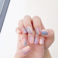 方圆形粉色蓝色紫色竖形渐变美甲图片