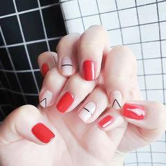 方圆形红色白色线条简约美甲图片