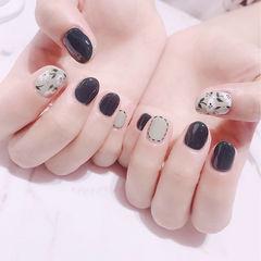 圆形黑色灰色手绘花朵美甲图片