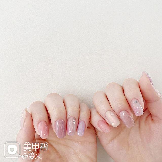 方圆形粉色裸色跳色水滴简约上班族美甲图片