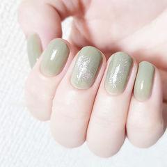 圆形绿色银箔简约美甲图片
