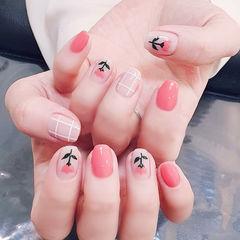 方圆形粉色手绘花朵格纹全国连锁日式学校学美甲加微信:mjbyxs15美甲图片