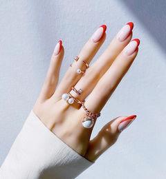 圆形红色白色法式珍珠简约新娘美甲图片
