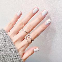 方圆形白色银色水波纹磨砂美甲图片