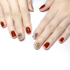 方圆形焦糖色手绘花朵简笔画美甲图片
