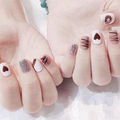 方圆形棕色白色手绘心形巧克力全国连锁日式学校学美甲加微信:mjbyxs15美甲图片