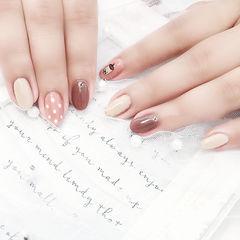 圆形棕色白色手绘可爱全国连锁日式学校学美甲加微信:mjbyxs15美甲图片