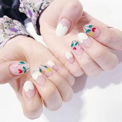 圆形白色红色绿色手绘花朵心形法式美甲图片