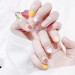 圆形白色黄色红色手绘鸡蛋心形法式短指甲美甲图片