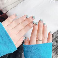 圆形绿色平法式短指甲美甲图片