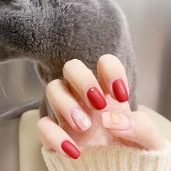 方圆形红色裸色水波纹磨砂美甲图片