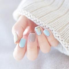 方圆形蓝色灰色格纹美甲图片