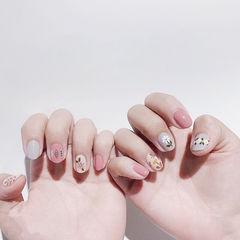 圆形粉色裸色手绘花朵全国连锁日式学校学美甲加微信:mjbyxs15美甲图片
