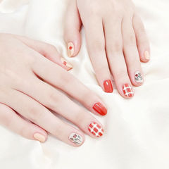 圆形红色手绘花朵格纹全国连锁日式学校学美甲加微信:mjbyxs15美甲图片