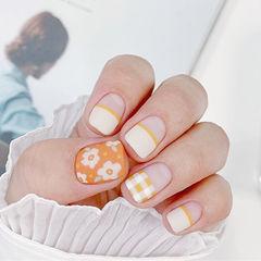 方圆形橙色白色手绘花朵格纹平法式磨砂美甲图片