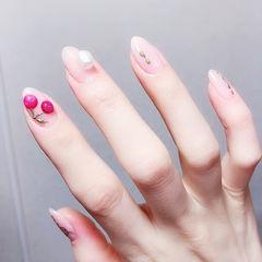 圆形裸色玫红色樱桃美甲图片
