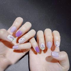 圆形紫色白色手绘花朵全国连锁日式学校学美甲加微信:mjbyxs15美甲图片