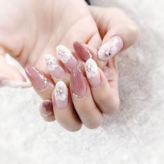 圆形白色豆沙色渐变手绘花朵钻全国连锁日式学校学美甲加微信:mjbyxs15美甲图片