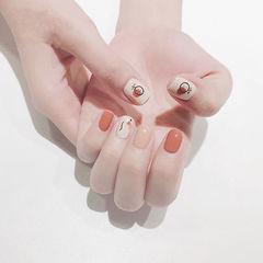 方圆形橙色白色手绘夏天美甲图片