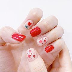 方圆形红色白色手绘花朵亮片美甲图片