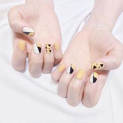 方圆形黄色黑色白色手绘几何美甲图片