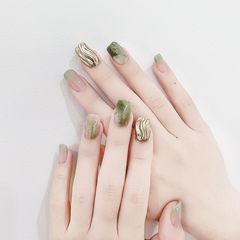 方圆形绿色晕染银色水波纹美甲图片