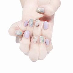 方圆形紫色裸色蓝色手绘花朵金箔美甲图片
