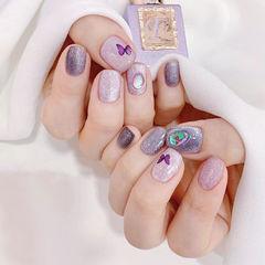 紫色蝴蝶闪粉珠光美甲图片
