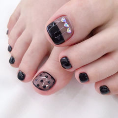 黑色钻饰波点脚甲美甲图片