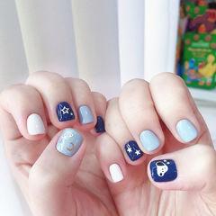 蓝色星星小狗美甲图片