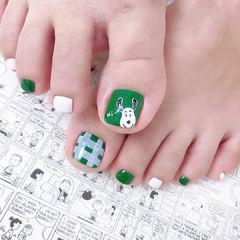 绿色格纹小狗脚甲可爱美甲图片