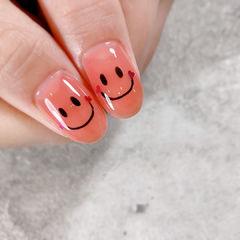笑脸可爱美甲图片