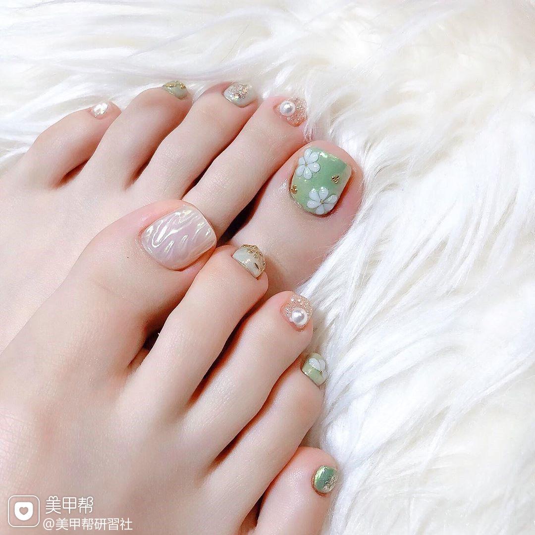 水波纹花朵珍珠金箔学美甲加微信:mjbyxs15美甲图片