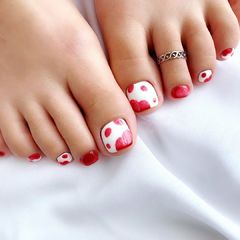 红色白色美甲图片