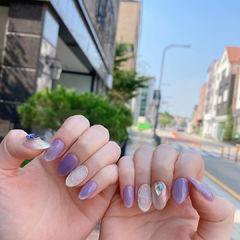魔镜粉紫色美甲图片