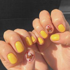 黄色小熊美甲图片