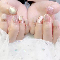 晶石魔镜粉美甲图片