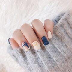 格纹蓝色珍珠美甲图片