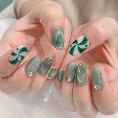 绿色猫眼韩式美甲图片