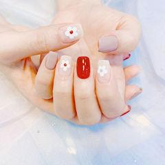 红色白色花朵韩式蓝色灰色美甲图片