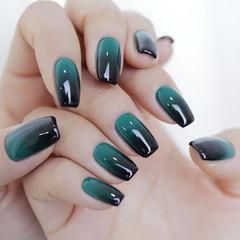 黑色绿色渐变美甲图片