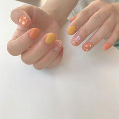 黄色橙色磨砂美甲图片