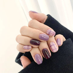 紫色香芋紫色格纹韩式秋冬美甲图片