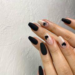 黑色心形磨砂欧美风美甲图片
